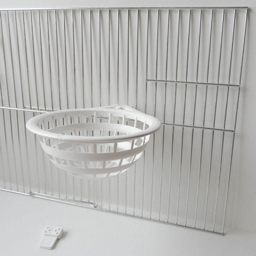 Plastic nest 14 cm. + houder